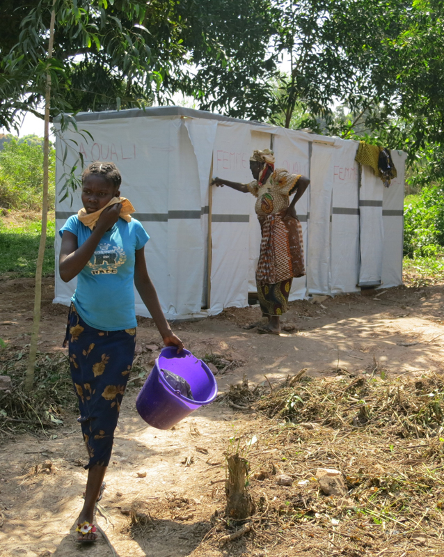 Toilettes au RCA avec Solidarités International