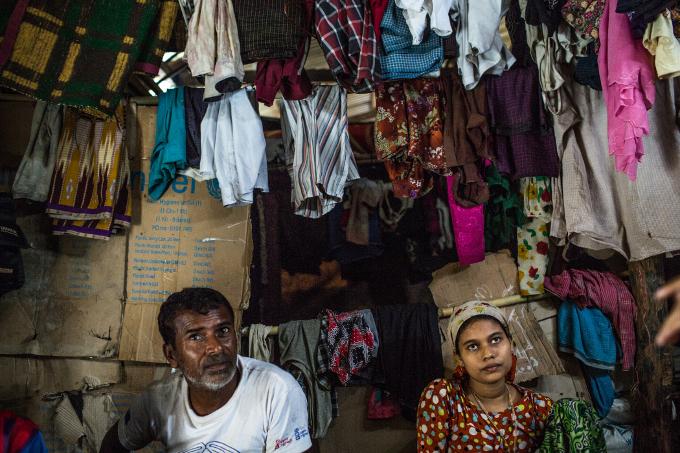 2016 Octobre Myanmar Violences camps familles homme femme rohyingas 2 680X450.jpg