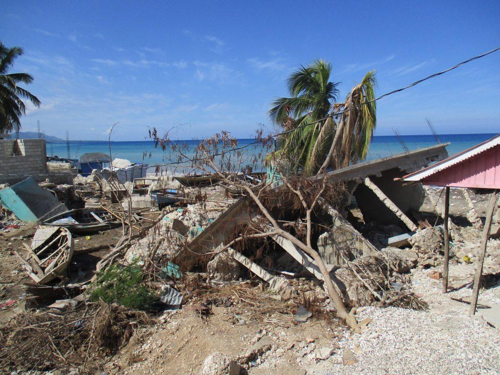 paysage devaste haiti