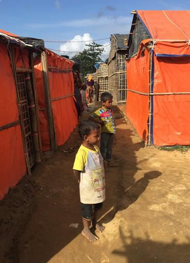 enfants camp rohingyas
