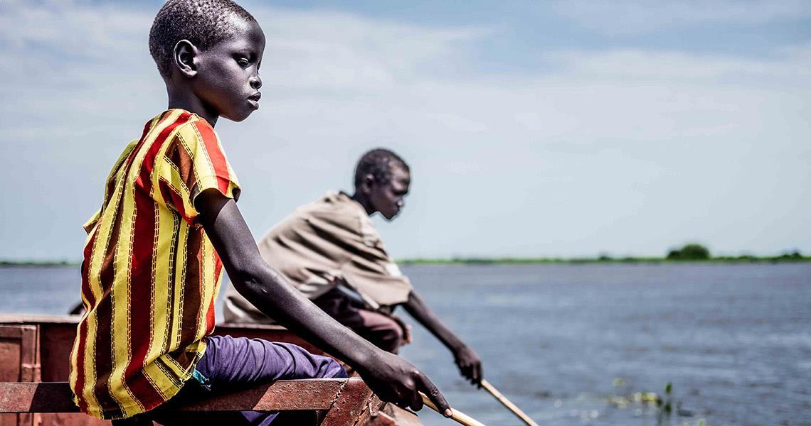 Enfant Eau Bateau Sud Soudan