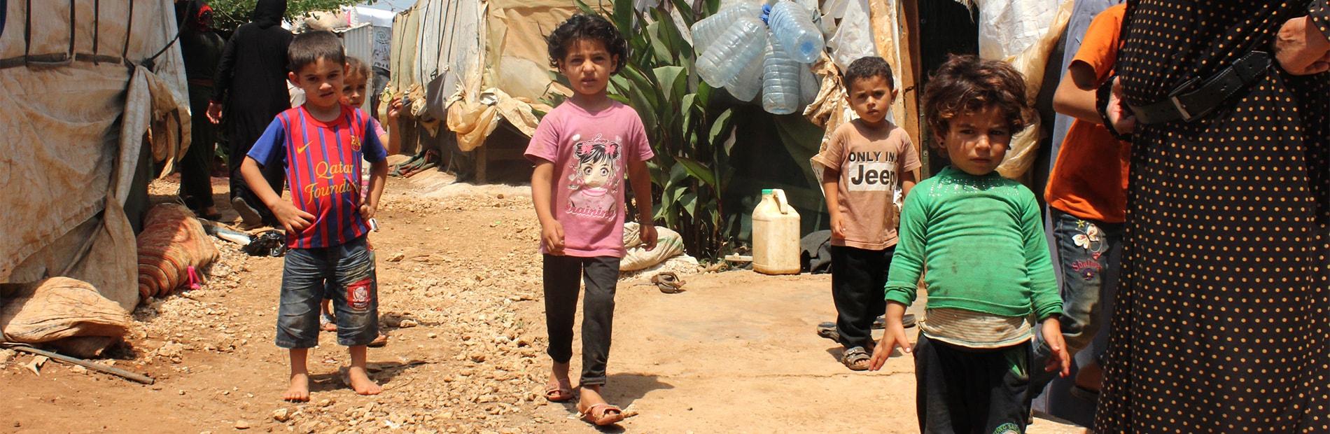 enfant syriens camp de réfugiés au Liban